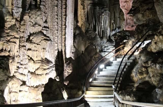 visita las cuevas de nerja desde malaga en taxi, como ir a las cuevas de nerja desde malaga, precio taxi cueva nerja desde malaga, excursion a nerja