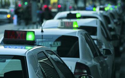 contrata taxi malaga, reserva taxi malaga, excursion taxi malaga, Coger un taxi en malaga, pago con tarjeta en taxi